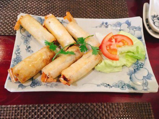 ベトナムホーチミンベトナム料理レストランのようすです