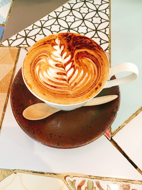 チェンマイ観光旅行カフェとホテル
